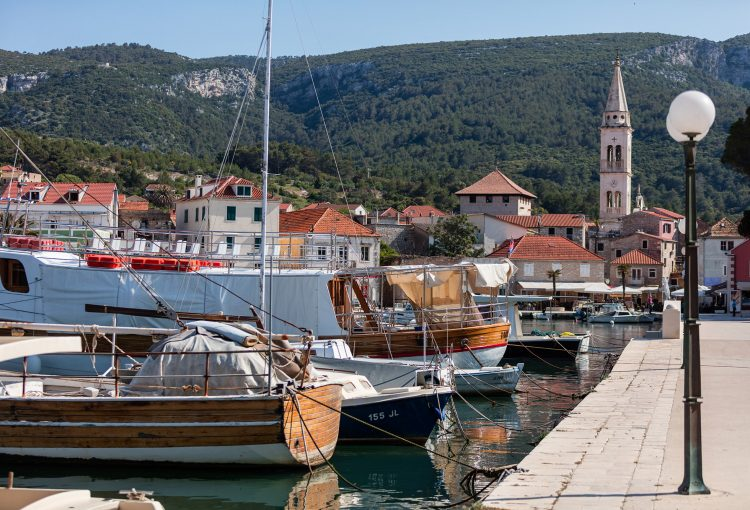 The forerunner of active tourism in Jelsa